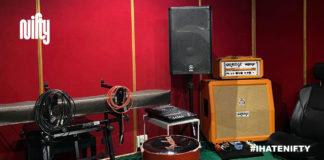 ห้องซ้อมดนตรี Music Group แฟลตดินแดง Nifty ชวนคุยกับพี่ติ - พี่นา ถึงที่มาของห้องซ้อมดนตรี ที่ซ่อนตัวมานานกว่า 30 ปี! ซึ่งเราผูกพันเป็นพิเศษ