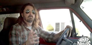 What Drives Us รีวิวสารคดีเรื่องล่าสุดของ Dave Grohl วง Foo Fighters ที่ชวนศิลปินดังมาบอกเล่าชีวิตนักดนตรี และความทรงจำบนรถตู้ในทัวร์คอนเสิร์ต